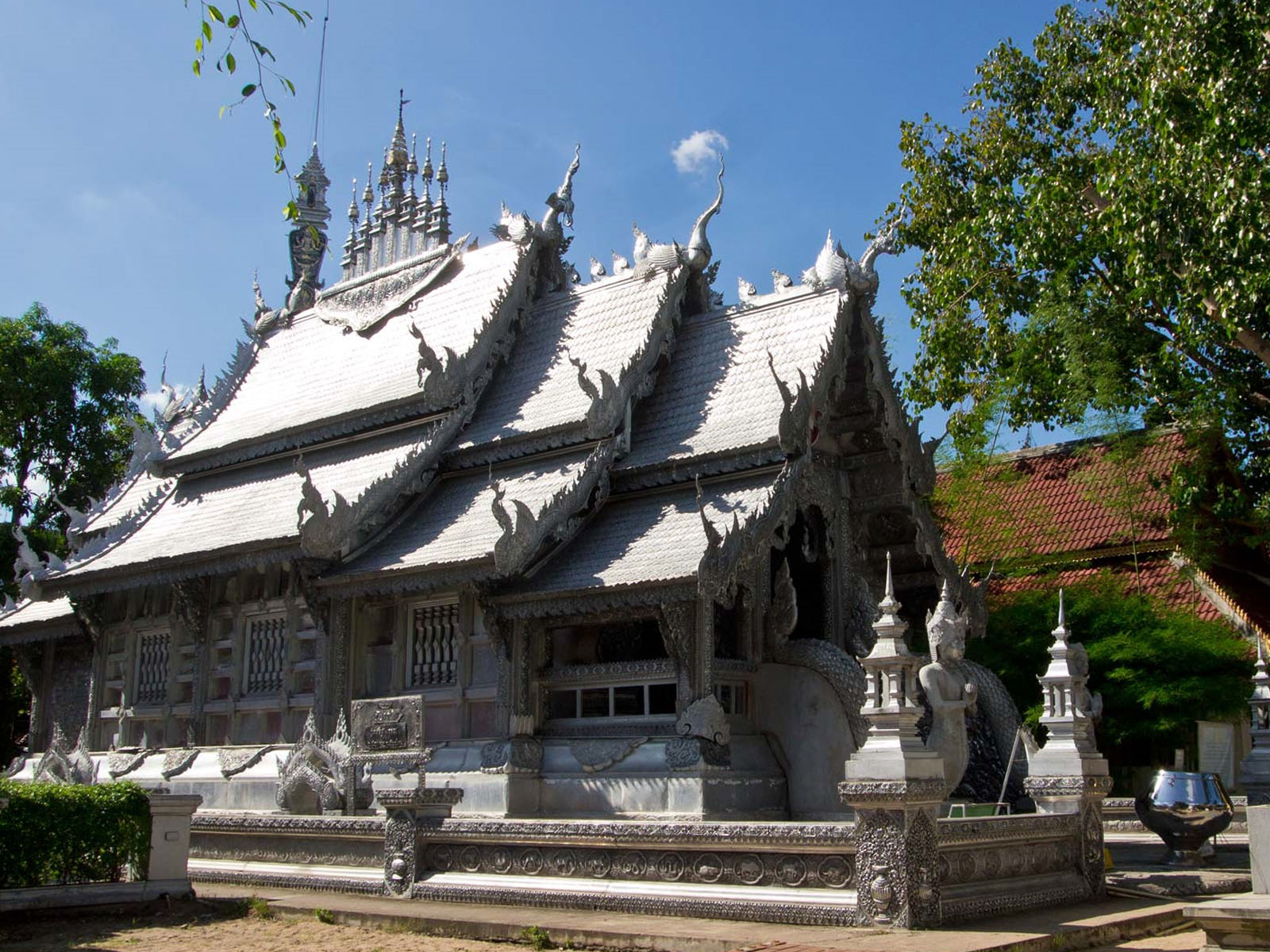 Wat Sri Suphan | Chiang Mai Trekking | The best trekking in Chiang Mai with Piroon Nantaya